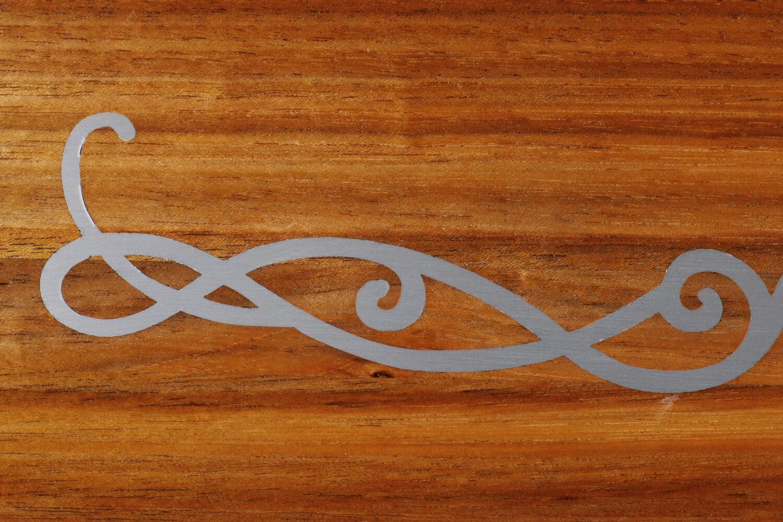 STREGER-Massivholztreppen-Intarsien-Motiv