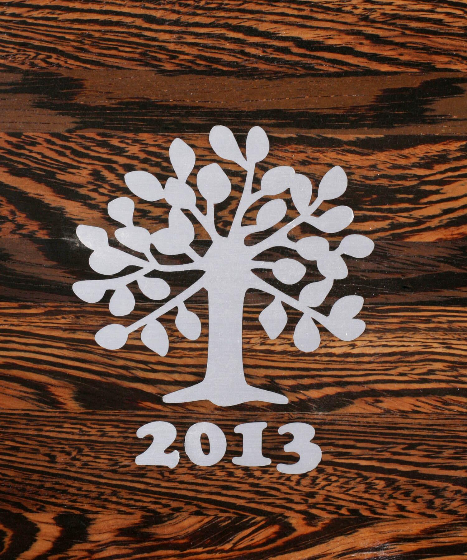 STREGER-Massivholztreppen-Intarsien-baum-2013