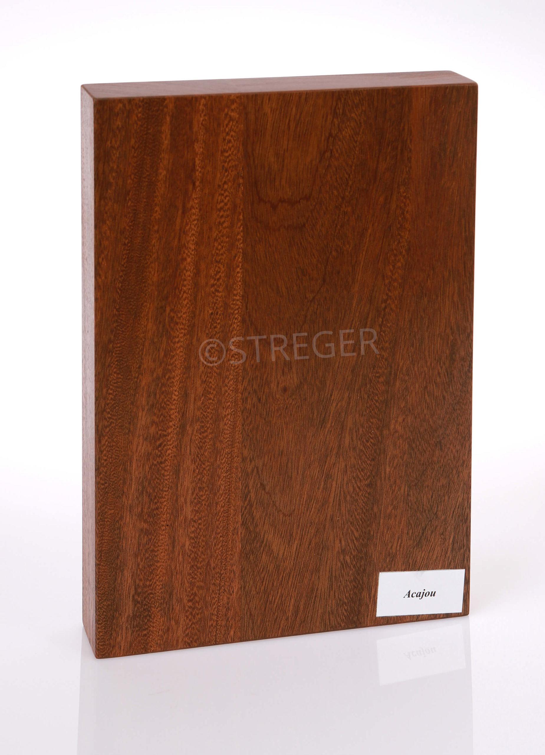 STREGER-Massivholztreppen-Acajou