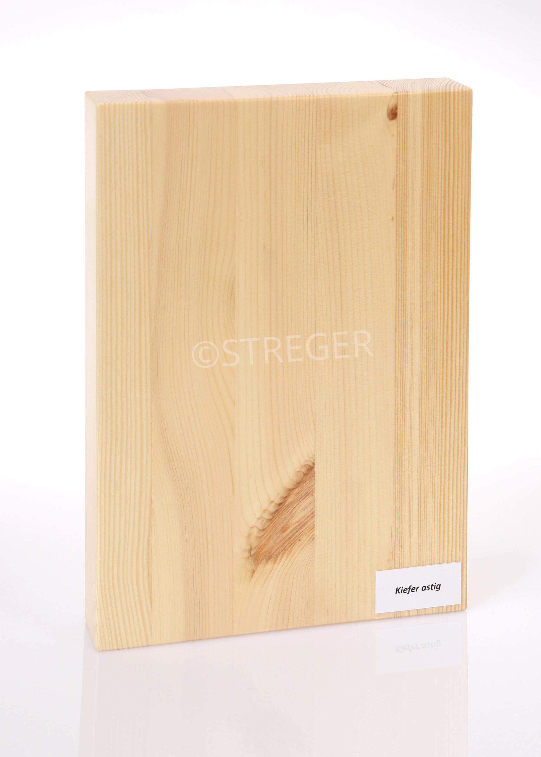STREGER-Massivholztreppen-Kiefer-astig