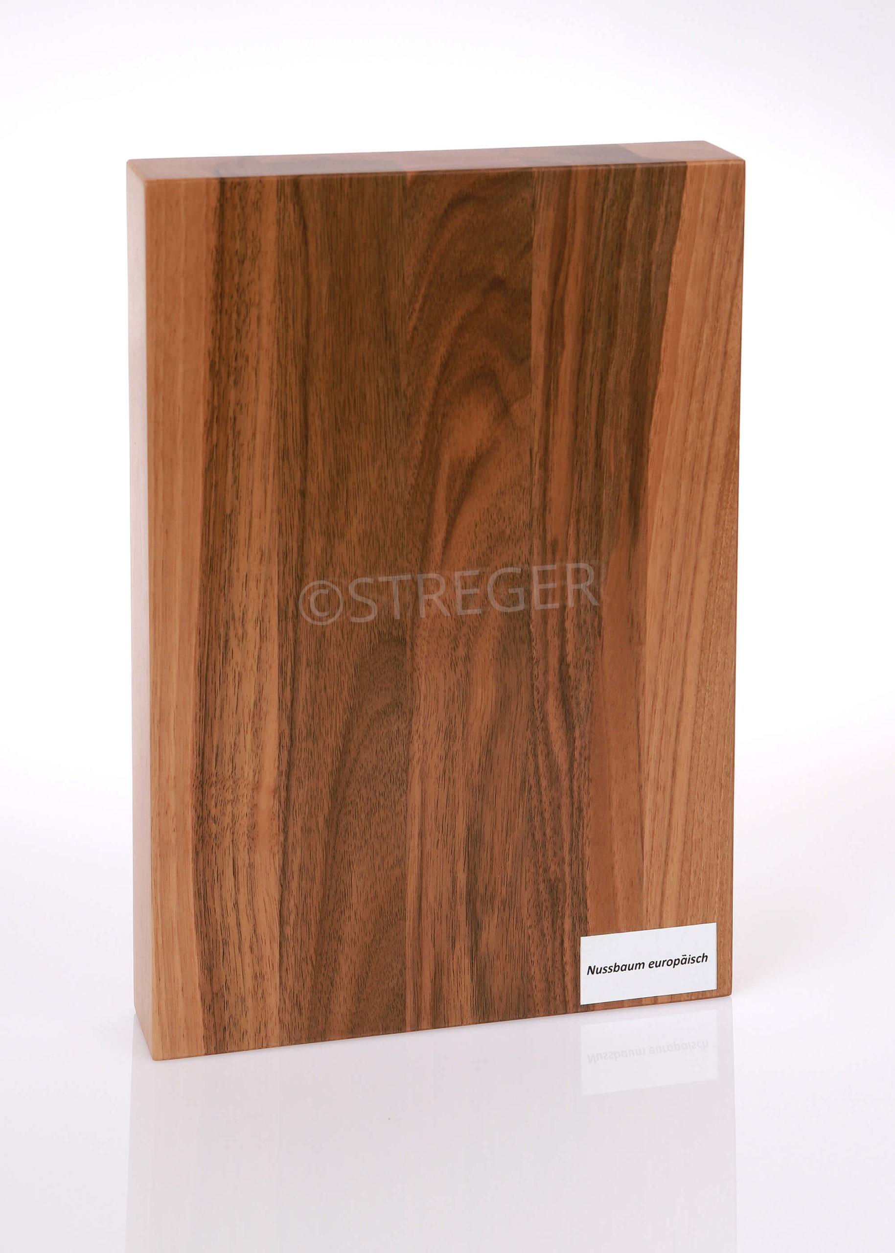 STREGER-Massivholztreppen-Nussbaum-europaeisch